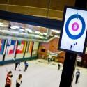 Pohled na obrazovku ukazující dění v kruzích ve třetí dráze, European Junior Curling Challenge - Prague 2013