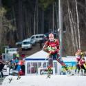 V první rozjížďce už stačilo po sněhu jen lehce doklouzat do cíle, biatlonová exhibice 2014