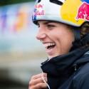 Jessica Fox byla hlavní favoritkou hned v několika kategoriích. Před závody úsměvem nešetřila, po závodech jí už tolik do smíchu nebylo, vždyť vyválčila pouze stříbro v soutěži hlídek, IFC canoe slalom World Cup 2014 – Prague