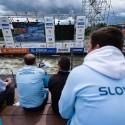 Slovenská podpora na hlavní tribuně, IFC canoe slalom World Cup 2014 – Prague