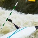"""Tonoucí se branky chytá, ale v tomto případě pomohl až známý """"eskymák"""", IFC canoe slalom World Cup 2014 – Prague"""
