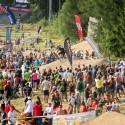 Do areálu bikeparku si našlo cestu skoro 10.000 fanoušků, což bylo téměř dvojnásobně víc než na souběžně hraném utkání prvoligového fotbalu hraném jen o několik set metrů opodál, JBC 4X Revelations 2014