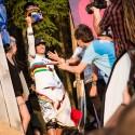 Tomáš Slavík si vítězství umí užívat a kamerka na helmě zaznamenala skutečně vše, JBC 4X Revelations 2014