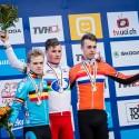 MS cyklokros Tábor 2015, pódium junioři - zleva druhý Eli Iserbyt (BEL), vítězný Simon Andreassen (DEN) a třetí Max Gulickx (NED) (her)