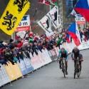 MS cyklokros Tábor 2015, souboj o titul v ženské kategorii se rozhodoval až v cílovém spurtu. Více sil měla Pauline Ferrand Prévot (FRA) (her)
