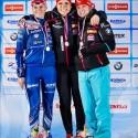 Stupínek nejvyšší - zleva druhá Puskaršíková, první Soukalová a třetí Tomešová. Biatlonová exhibice 2015