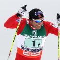 Norská hvězda Odd-Bjoern Hjelmeset při štafetě, mistr světa