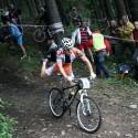To není paralympijský šampionát, to jen Tomáš Paprstka, mistr světa v cyklokrosu, radši běhá.