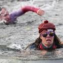 Z dlouhovlasé blondýny na startu k dlouhovlasému individuu v rybníce. Turman 2012 (syn)