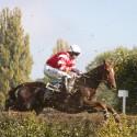 Liam Treadwell byl na Vandualovi poslední v cíli Ceny Vltavy, 123. Velká pardubická steeplechase (can)