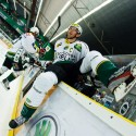 Petr Kumstát skáče na led